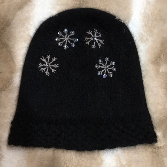 42935d271d4 Accessories - Black Angora Wool Snowflake Sequined Skull Cap